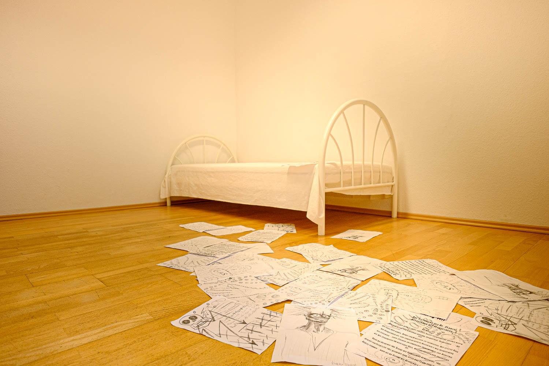 Sivani-Boxall-Germany-escaperoom-bed